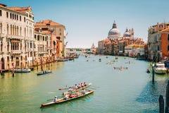 Venezia, Italia - 15 maggio 2016: Corsa della rematura nella laguna veneziana Immagini Stock Libere da Diritti
