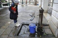 Venezia L'Italia Scena della via Fotografia Stock Libera da Diritti