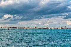 Venezia Shoreline sotto Gray Clouds Fotografie Stock
