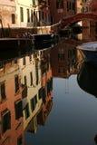 Venezia in uno specchio, Italia fotografie stock libere da diritti