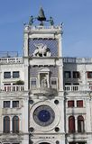 Venezia, VE, Italie - 5 février 2018 : la tour d'horloge a appelé Campan Photo stock