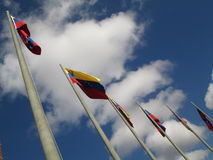 Venezuela flagga på blå himmel, Caracas, Venezuela Royaltyfri Bild