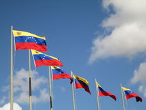 Venezuela flagga på blå himmel, Caracas, Venezuela Arkivbilder