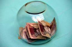 Venezuelanska 100 Bs sedlar och valuta Arkivfoton