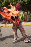 Venezuelanska dansjäklar av Naiguata i dräkter som föreställer det ogripbara kulturarvet för fiskUNESCO arkivfoton
