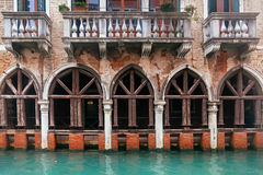 Venice channel and vintage grunge building Royalty Free Stock Photography