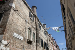Venice - Corte delle Colonne, laundry hanging out Stock Photo