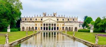Venice för flod för brenta för villapisanidamm landskap Italien arkivfoton