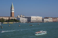 VENICE/ITALY  Water taxis and buses in front Stock Photo