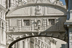Venice, ponte dei sospiri & x28;bridge of sighs& x29;. Built in 1600, once connecting the New Prison to the interrogation rooms Royalty Free Stock Photos