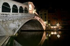 Venice, Rialto Bridge at night, Italy Royalty Free Stock Photos
