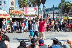 Venice, US-October 5, 2014: Venice Beach boardwalk is 2.5 miles Stock Photography