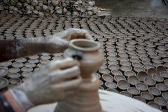 Venire a mancare di Diyas per accendere le vite del ` dei vasai fotografie stock libere da diritti