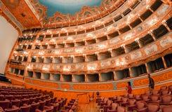 VENISE - 7 AVRIL 2014 : Intérieur de théâtre de Fenice de La La de Teatro Photographie stock