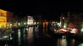 Venise Canale grand aux lumières de nuit image stock
