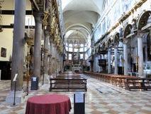 20 06 2017, Venise, Itália: Vista interior de uma igreja italiana velha Fotografia de Stock Royalty Free