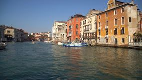 Venise, Italie - 15 03 2019 : Vue de Grand Canal du bateau banque de vidéos