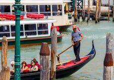 Venise Marche sur la gondole photos libres de droits