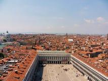 Venise - Piazza San Marco de la tour de cloche photos stock