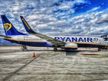 Venizelo van de luchthaveneleytherios van Athene, ryanair vliegtuig, wordt geparkeerd royalty-vrije stock afbeelding