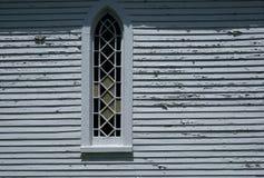 Venster aan kant van oude kerk in Quebec Royalty-vrije Stock Foto's