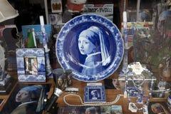Venster die in Holland winkelen Stock Foto's
