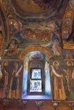 Venster en het schilderen in de Tempel van het Troyan-Klooster, Bulgarije Stock Fotografie