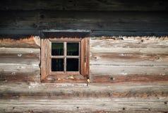 Venster, houten muur stock foto