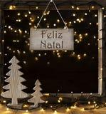 Venster, Lichten in Nacht, Feliz Natal Means Merry Christmas Stock Foto