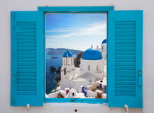 Venster met mening van caldera en kerk, Santorini Royalty-vrije Stock Foto