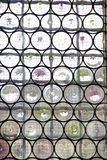 Venster met versterkt glas stock foto's