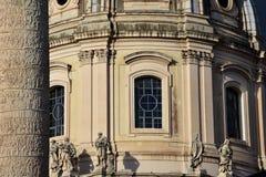 Venster van de Kerk van de Heiligste Naam van Mary bij het Trajan-Forum Stock Foto