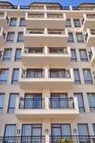 Vensters en balkons Stock Afbeeldingen