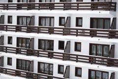 Vensters en balkons Stock Foto's