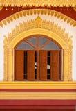 Vensters van Birmaanse tempel Stock Foto's
