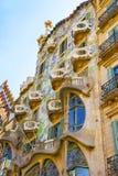 Vensters van de bouw van Casa Batllo in Barcelona in Spanje Stock Afbeeldingen