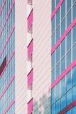 Vensters van een Modern Gebouw Stock Afbeeldingen