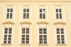 Vensters van een paleis Royalty-vrije Stock Afbeeldingen