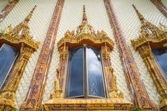 Vensters van kerk in tempel, Thailand Stock Fotografie