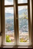 Vensterweergeven van de Horizon van Sarajevo stock foto's
