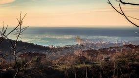 Vent violent dans la baie de Trieste photo libre de droits