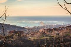 Vent violent dans la baie de Trieste images libres de droits