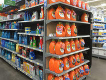 Venta agradable de los productos de limpieza Imagen de archivo libre de regalías
