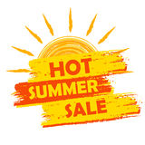 Venta caliente del verano con la etiqueta de la muestra del sol, amarilla y naranja dibujado Fotos de archivo libres de regalías