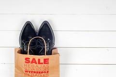 Venta con los zapatos Imágenes de archivo libres de regalías