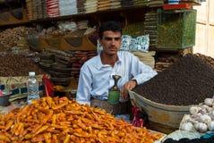 Venta de las especias en Yemen Fotos de archivo libres de regalías