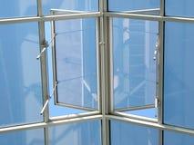 Ventana abierta al cielo Fotografía de archivo libre de regalías