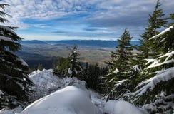 Ventana al valle Foto de archivo libre de regalías