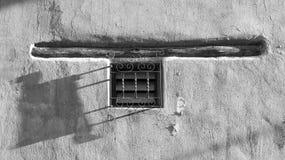 Ventana artesanal del viejo estilo en Perú Fotografía de archivo libre de regalías