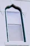 Ventana blanca del ladrillo fotos de archivo